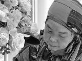 後藤英子Hideko Goto 作新学院卒業後新聞社に勤務し、後に山野愛子美容専門学校卒業、美容師を経てフラワーデザインの世界へ入る。 その経歴から様々な方向から花束、アレンジメントを制作し、最近では着物リメイクデザイナーの松本恵美子氏と展示会にてコラボレーションするなど その独特のデザインは日々変化し楽しませてくれます。  H