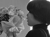 太田有香Yuka Oota 町田デザイン専門学校にてフラワー&グリーンコースを専攻、ライフデザインを学ぶ。真面目な性格から、華道家元池坊華掌修得、フラワー装飾、サービス接遇検定、国家技能検定、色彩検定など、様々な資格を持ち 在学中には「花時間」主催第4回『新人フラワーアーティストオーディション』準優勝 『花時間アレンジメント大賞』花時間賞受賞するなど、新進気鋭のNew Designerです。  H